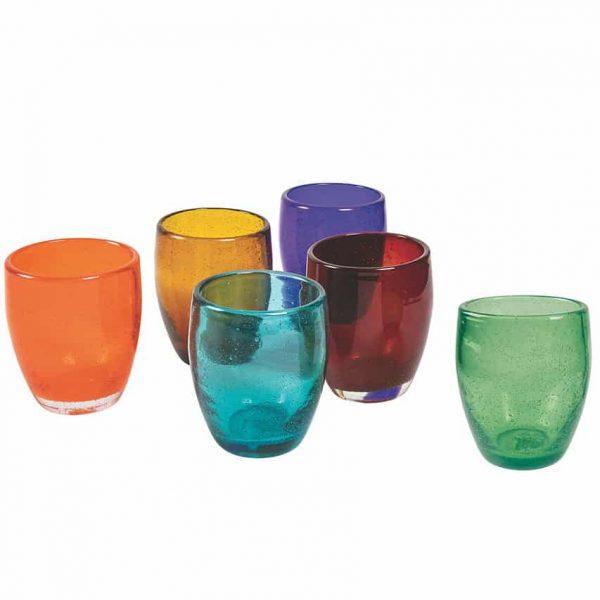 Glas med rundad kant som är munblåsta och handgjorda i olika färger