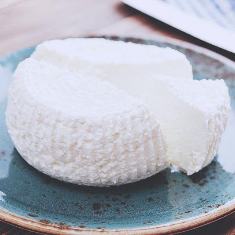 Kurs gör din egen ost en aktivitet för matälskare i vastastan stockholm