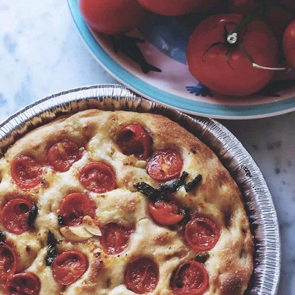 hur du bakar den perfekta pizzadegen