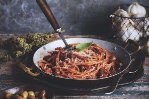 Primo, ofta pasta, soppa eller något lättare innan secondo