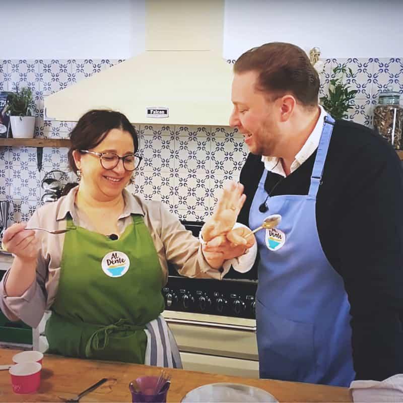 Roy Nader gör hemmagjord glass med Samantha